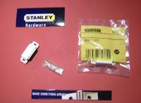 STANLEY magnetic STRONG WHITE 6kg catch. 1 pack with screws.83-5335